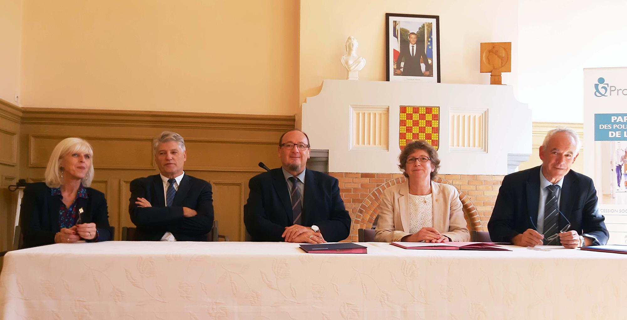 Signature Convention Missions Sociales à Quesnoy-sur-Deûle